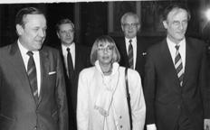 8_1986-frankfurter-musikpreis-mit-dr-walther-wallmann-imuam.jpg